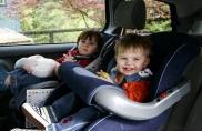 Mẹo lái xe an toàn khi có trẻ nhỏ