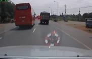 Một vài lưu ý khi vượt xe tải