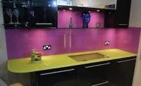 Kính sơn màu ốp nhà bếp