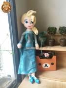 Elsa-va-Anna-Nu-Hoang-Bang-Gia