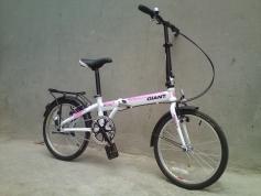 xe-dap-gap-Rubo-20