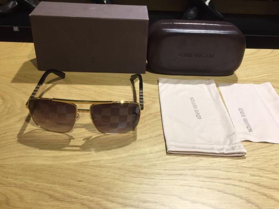 Mắt kính Louis Vuitton nam sang trọng MK61201