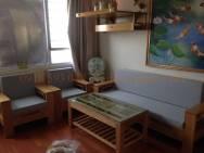 Đệm ghế sofa gỗ tại nhà anh Chung ở Xuân Phương
