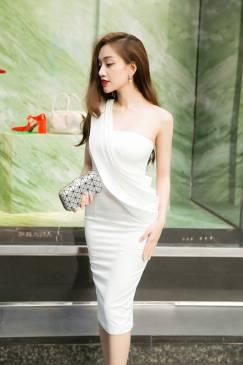 Đầm ống trắng dự tiệc thiết kế ôm body dây choàng vai #590