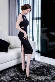 Váy dự tiệc ôm body thiết kế đơn giản, trẻ trung như Ngọc Trinh #645
