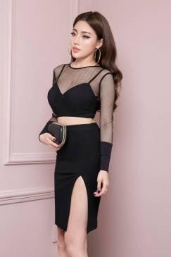 Bộ áo croptop pha lưới tay dài và chân váy bút chì đen xẻ tà #702