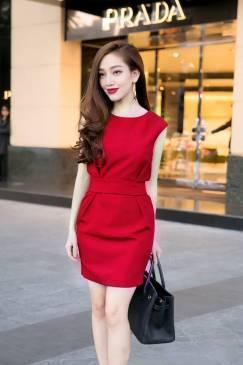 Đầm đỏ dự tiệc cưới đẹp thiết kế ôm body đơn giản #711