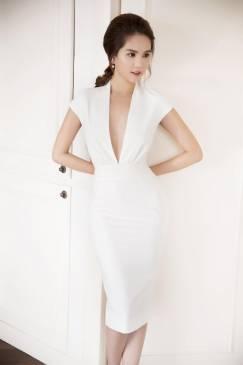 Đầm trắng ôm body đẹp thiết kế khoét ngực sâu như Ngọc Trinh #729