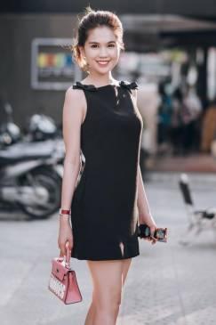 Đầm suông đen Ngọc Trinh thiết kế đơn giản, dễ thương #752