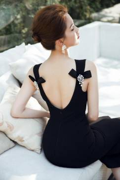 Đầm đen đuôi cá ôm body thiết kế hở lưng đẹp như Ngọc Trinh #785