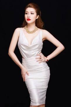 Đầm ôm body hở lưng thiết kế cổ đỗ đơn giản sexy #648