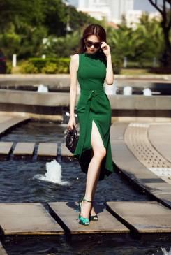 Đầm ôm body xẻ tà Ngọc Trinh thiết kế sang trọng, mới nhất #876