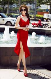 Set đầm ôm body Ngọc Trinh thiết kế áo 2 dây váy xẻ tà #886