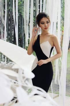 Đầm đen phối trắng đẹp thiết kế ôm sát body #958