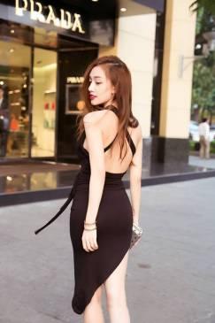 Đầm thun đen hở lưng đẹp thiết kế ôm body xẻ tà sexy #941