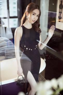 Đầm đen xẻ tà Ngọc Trinh thiết kế ôm body tuyệt đẹp #994