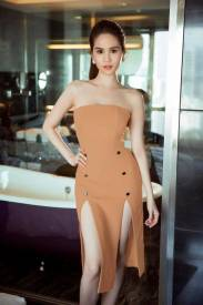 Đầm ống Ngọc Trinh thiết kế xẻ tà 2 bên ôm body đẹp #1007