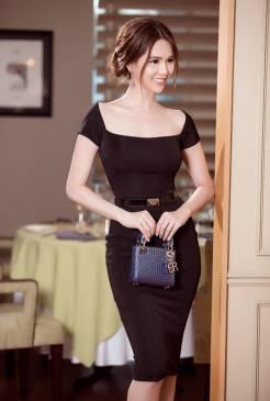 Váy đen ôm body Ngọc Trinh thiết kế sang trọng, quý phái #1013