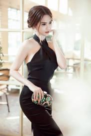 Đầm cổ yếm dự tiệc thiết kế ôm body đẹp như Ngọc Trinh #1025