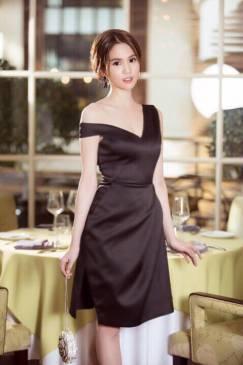 Đầm trễ vai đen Ngọc Trinh thiết kế váy chữ A sang trọng #1028