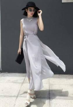Váy maxi đi biển đẹp xẻ nhiều tà như Angela Phương Trinh#1034