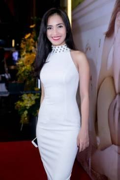 Đầm cổ lọ dự tiệc thiết kế đính ngọc trai như Ái Phương #1031