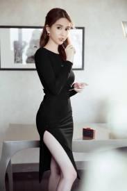 Váy hở lưng chữ V Ngọc Trinh thiết kế xẻ tà ôm body đẹp #1023