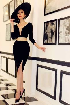 Set Áo croptop tay dài và Chân váy ôm xẻ tà sexy #1055