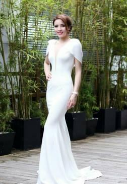 Váy dạ hội sang trọng thiết kế đỗ lưng như HH Kỳ Duyên #1073