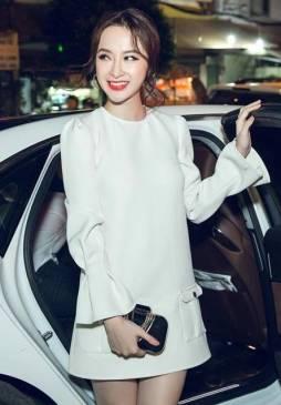 Đầm suông màu trắng đẹp tay loe Angela Phương Trinh #1112