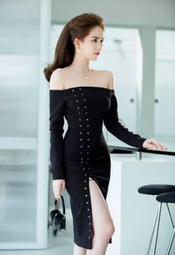 Đầm xẻ tà Ngọc Trinh ôm body vai ngang tuyệt đẹp #1119