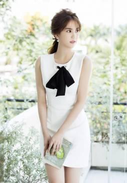 Đầm trắng ngắn dạo phố cột nơ cổ dễ thương Ngọc Trinh #1122