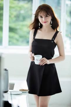 Bộ áo đầm ngắn dễ thương thiết kế chữ A như Ngọc Trinh #1128