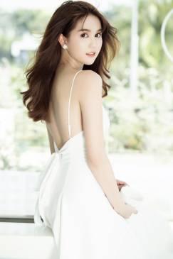 Đầm xòe hở lưng Ngọc Trinh thiết kế 2 dây tuyệt đẹp #1139