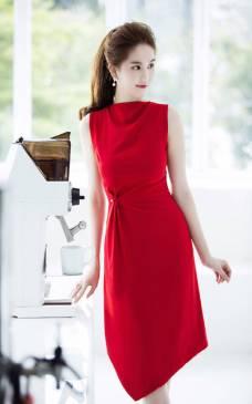 Đầm đỏ Ngọc Trinh thiết dáng chữ A dài tuyệt đẹp #1144