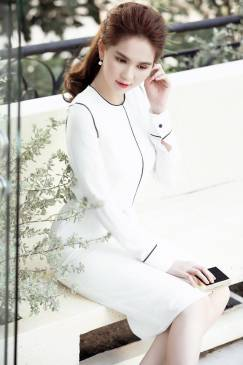 Đầm trắng viền đen thiết kế ôm body tay dài Ngọc Trinh #1145