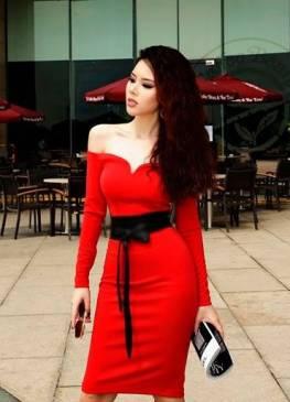 Đầm đỏ trễ vai tay dài thiết kế cột dây eo đen tuyệt đẹp #1149