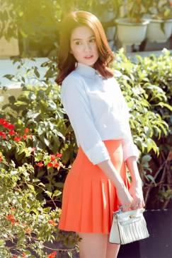 Set váy áo sơ mi trắng Ngọc Trinh phong cách tươi trẻ #1181