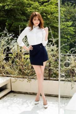 Bộ áo quần giả váy phong cách trẻ trung như Ngọc Trinh #1174