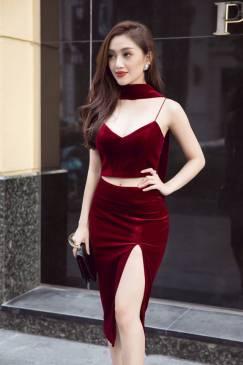 Bộ áo váy nhung đỏ đẹp thiết kế croptop xẻ tà sexy #1176