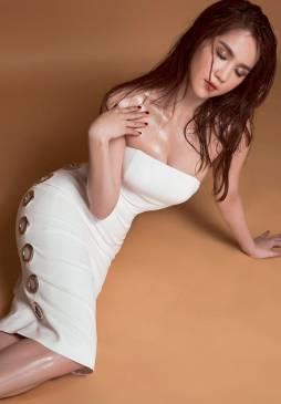 Đầm ống ngực trắng thiết kế đính khoen cá tính Ngọc Trinh #1259