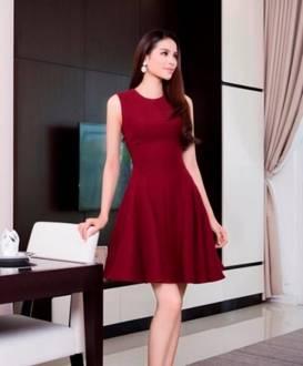 Đầm xòe đỏ sát nách thiết kế dễ thương như Phạm Hương #1216