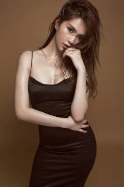 Đầm đen phi bóng thiết kế 2 dây ôm body sexy Ngọc Trinh #1280
