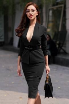 Bộ áo đầm đen cổ tim sâu phong cách trẻ trung, đơn giản #1278