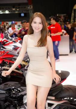 Đầm ống ngọc trinh thiết kế ôm body cực tôn dáng #1305