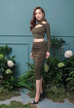 Bộ áo crotop tay dài và chân váy rùn dài ôm body đẹp #1315
