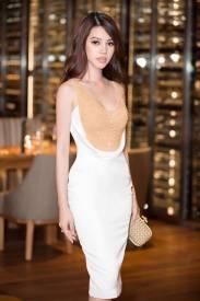 Đầm trắng dự tiệc đẹp thiết kế phối kim sa vàng tuyệt đẹp #1336