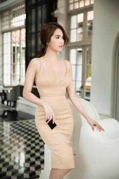 Đầm phi bóng 2 dây thiết kế cúp ngực ôm body Ngọc Trinh #1371