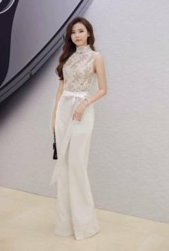 Jumpsuit dài trắng đẹp thiết kế trẻ trung như Midu #1363