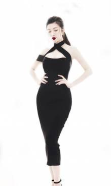 Đầm đen rớt vai 1 bên thiết kế ôm body cực tôn dáng #1414